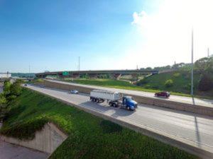 pavlich-inc-kansas-city-kansas-safe-trucking-distracted-driving